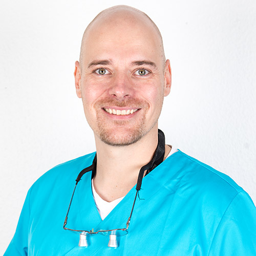 Dr. N. Pfeffer